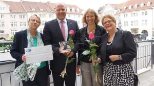 Nach der Verleihung: von links: Dr. Regina Olshausen (DKSB), Carsten Graf (Psd-Bank), Astrid Keller (DKSB) und Roswitha Goydke (DKSB)